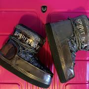 Луноходы,  зимняя обувь,  уги,  стильная обувь,  зимние сапоги