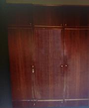Продам шкаф 40 руб. самовывоз срочно (разобранный)